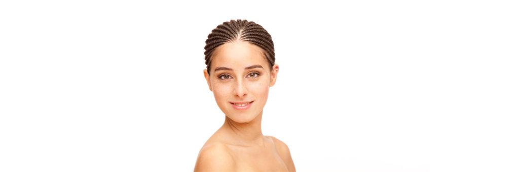 8 Tipps gegen Pickel auf der Kopfhaut