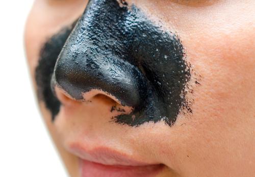 Black Ghassoul-Masken als Alternative zu Nasenpflastern